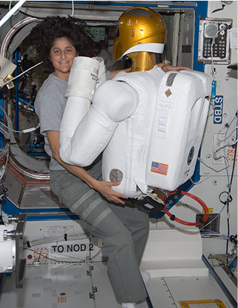 sunita williams in space station - photo #24